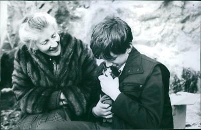 """A scene from the film """"The Winter Guest"""", with Phyllida Law and Sean Biggerstaff"""