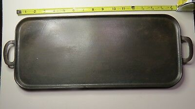 "Vintage Wagner Cast Iron Long Griddle, 16 3/4"" x 7 5/8"", Excellent Shape"