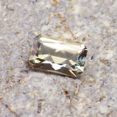 COLOR CHANGE DIASPORE-TURKEY 1.02Ct CLARITY VVS2-RARE SMALL SIZED GEMSTONE!