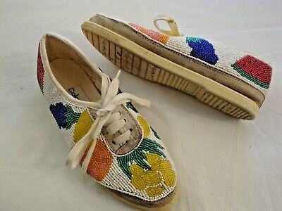 Vintage Women's Colorwerkz Beaded Fruit Lace Up Shoes Size 5 1/2 Style 701-10.