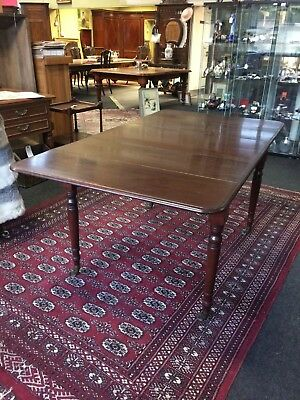 Antique Pembroke Mahogany Drop Leaf Dining Table & Middle 1 Leaf Seats 6 People