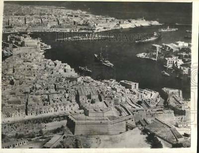 1938 Press Photo Aerial view of Mars Amuscetto harbor at Valletta, Malta