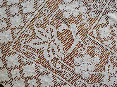Vtg ITALIAN Linen Hand Knotted Filet Net Burato LACE TABLECLOTH 60x88 grapes