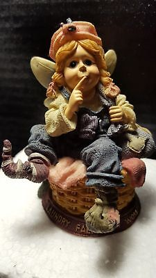 Boyds Bears & Friends ~The Folkstone Collection 1999. Laundry Fairy At Work.