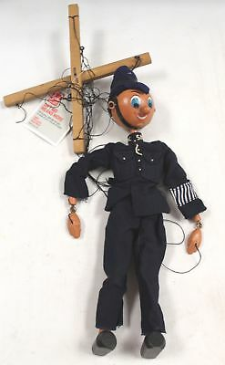 """Vintage/Retro Wooden HAND PUPPET """"Policeman"""" - Collectible - M17"""