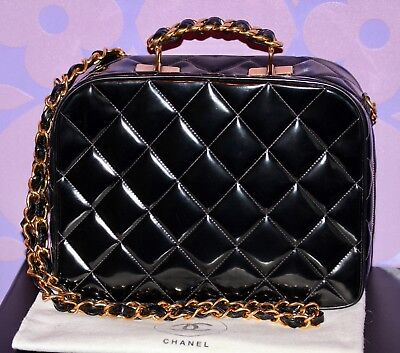 ffa8f0a66918 Chanel Vintage VANITY Case Medium LUNCHBOX Quilted Patent Leather GHW  Crossbody!