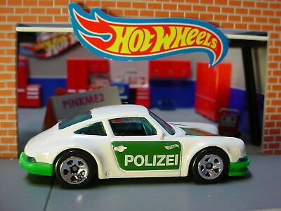 '71 PORSCHE 911✰white/green; POLIZEI✰multi pack fresh✰2019 Hot Wheels LOOSE