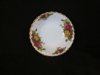Royal Albert - OLD COUNTRY ROSES - Fruit Nappie - Made In England