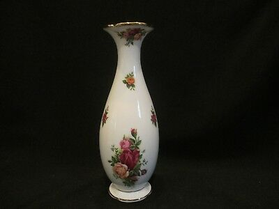 Royal Albert - OLD COUNTRY ROSES - Bud Vase - Made In England