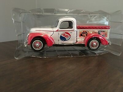 1940 Ford Pickup Truck Pepsi Delivery Golden Wheels 1/24 Scale Diecast