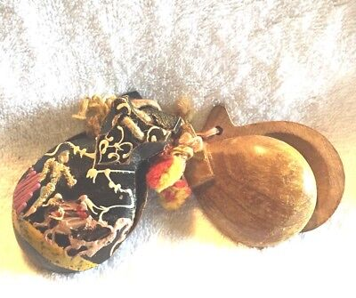 Vintage Musical Instruments Percussion Spanish Castanets Wooden Matadors 2 Pair