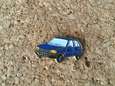 Pins  Pin's Badge peugeot 205 bleu