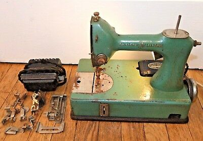 Antique/Vintage GENERAL ELECTRIC Sewhandy SEWING MACHINE, Model A, GREEN, Small
