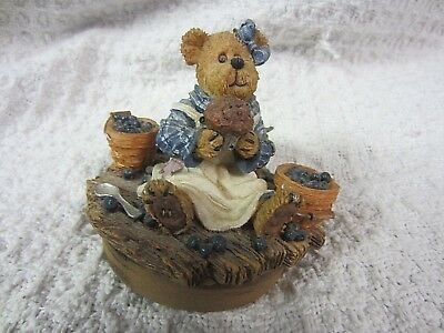 2002 Boyds Bear Candle Topper~Blueberry Theme