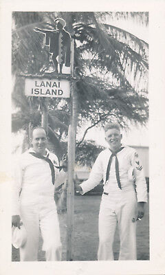 1944-5 WWII Sailor's Maui Hawaii Photo  Sailors at Lanai Island sign