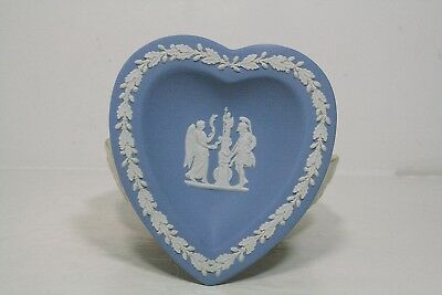 Wedgwood Grecian Design Blue / White Heart Dish Made in England Mint