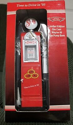 State Farm Wayne 60 Gas Pump Bank -Die Cast Replica  LIMITED EDITION  1:12 New