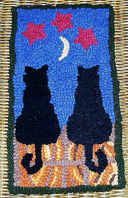MIDNITE & CHARCOAL CATS Primitive Rug Hooking Kit with cut wool strips