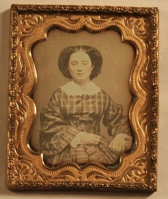 1840-50s 9th Plate Size Daguerreotype Photo of a Beautiful Young Lady