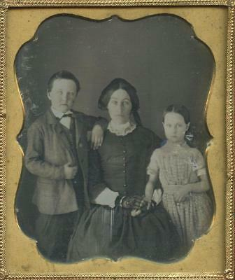 1840 CASED 6th PLATE DAG - SEATED YOUNG MOTHER WITH HER TWO STANDING CHILDREN