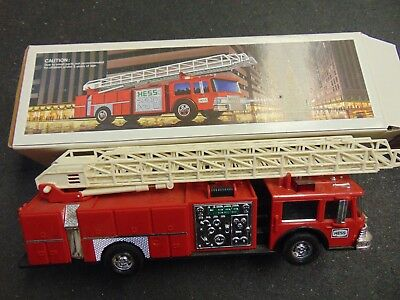 1986 HESS TOY FIRE TRUCK Made in HONG KONG ORIGINAL BOX COLLECTION TOY