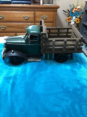 Green Metal & Wood Farmers Market Vintage Old Style Truck Home Decor New In Box