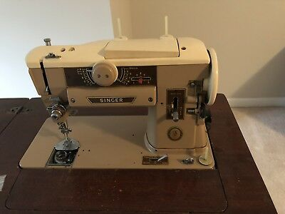vintage singer 401A sewing machine In Cabinet