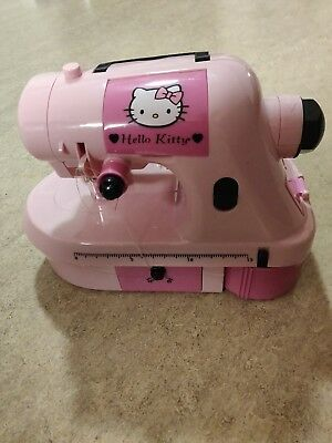 *RARE*Exclusive Hello Kitty sewing machine in working condition