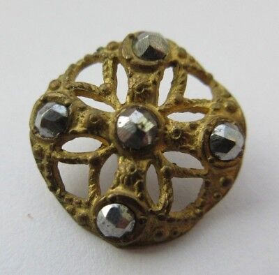 Fabulous Antique~ Vtg Victorian Metal BUTTON Cut Steel Accents CROSS Design (H)