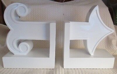 """HAPPY CHIC Jonathan Adler White Arrow Bookends Modern 5 5/8"""" - EXCELLENT!"""