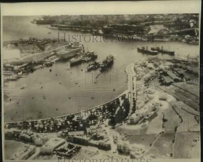 1942 Press Photo Harbor at Malta - general aerial view - hcx44722