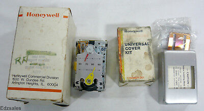 Honeywell Pneumatic Thermostat TP973B-1090-1 Reverse Acting w/Cover