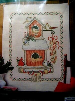 HERRSCHNERS WINTER WILDLIFE LAP QUILT TOP CROSS STITCH KIT BIRDS FEEDERS 34x43""