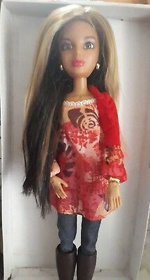 """Alexis - Liv doll articulated 12"""" Spin Masters 2009-with Wig and original outfit"""
