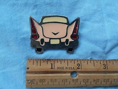 Vintage Collectible Pin Pink Antique Car Retro 1950s pop culture Great Condition