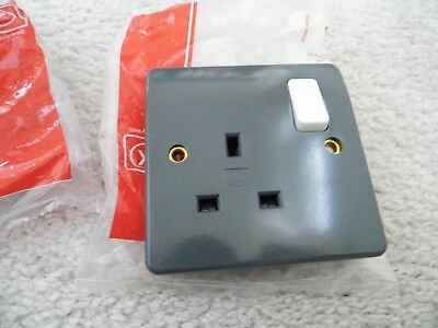 3  x MK 13A, 1 GANG SWITCHED SOCKET - GRAY/WHITE SWITCH