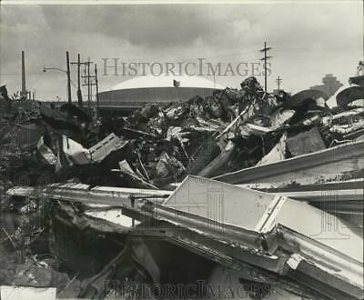 1977 Press Photo View of Superdome from scrap metal yard on Earhart Boulevard