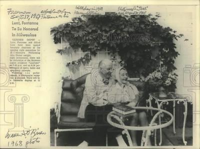 1968 Press Photo Alfred Lunt & Lynn Fontanne on their home porch, Genesee Depot