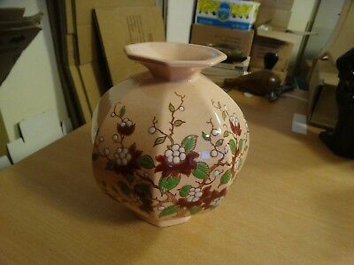 ancien vase au decor florale