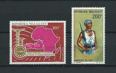 MADAGASCAR - 1967 YT 102 à 103 - POSTE AERIENNE - TIMBRES NEUFS** MNH LUXE