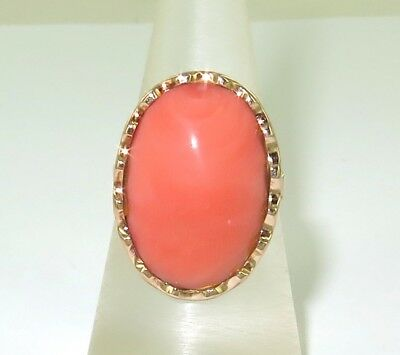 .vintage 18K Gold And Large Pink Coral Dress Ring.