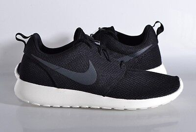 feb63d6cf9179 Nike Roshe One Men s Athletic Shoes Size 8 MED Sneakers 511881 Black White  NEW