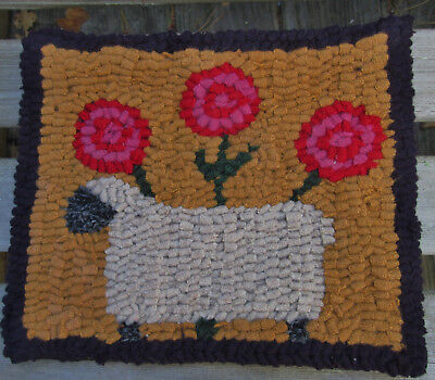 SHEEP WITH ROSY POSIES  Primitive Rug Hooking KIT WITH #8 CUT WOOL STRIPS