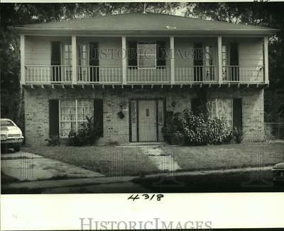 1988 Press Photo Converted duplexes may reopen more doors in Delmont Village