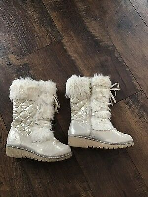 Juicy Couture Kids Girls Fur Charm Gold Metalic Boots 12M