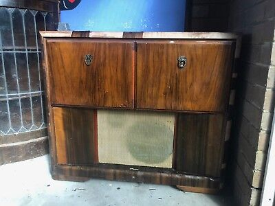 ANTIQUE RECORD PLAYER - RADIOGRAM Vic