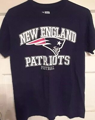 New England Patriots-NFL Team Apparel T-shirt-Size M
