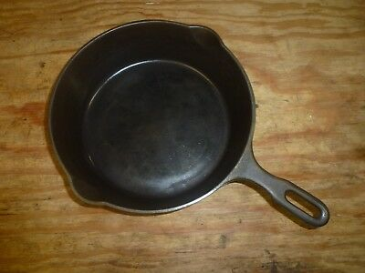 Vintage Cast Iron Chicken Pan 8, 1034 With Heat Ring and 2 Spouts, Griswold?