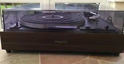 Pioneer PL-120 Stereo Turntable.