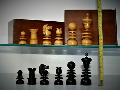 Antique, large (K= 83 mm) 'St.George' Chess Set (Jaques?) in Ebony & Boxwood .